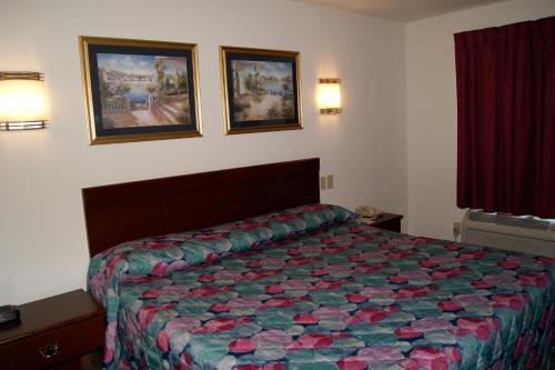 American Inn and Suites Photo