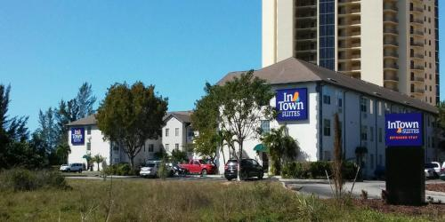 Intown Suites Fort Myers