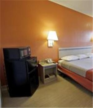 Motel 6 Charlotte Coliseum Photo
