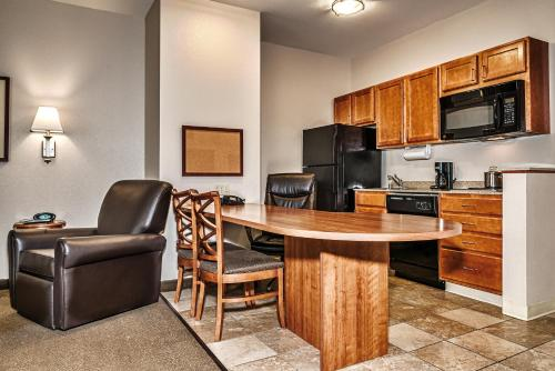 Candlewood Suites Oak Harbor Photo