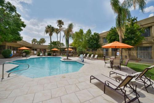 Best Western Plus Tucson Int'l Airport Hotel & Suites Photo