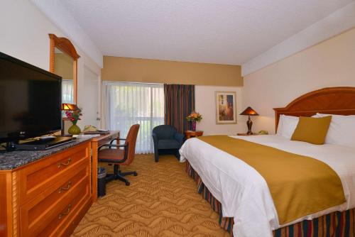 Best Western Plus Thousand Oaks Inn Photo