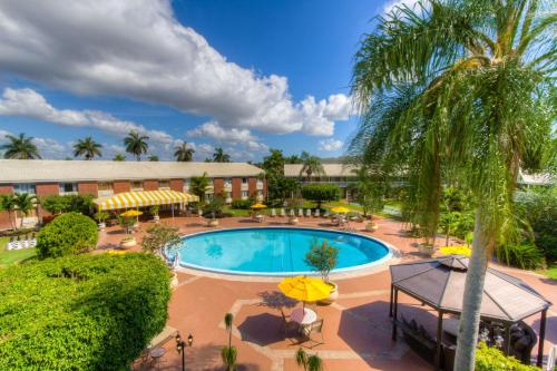 Best Western Palm Beach Lakes Photo