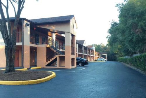 Best Western Pride Inn & Suites Photo