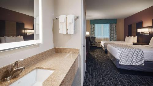 Best Western Fort Myers Inn and Suites Photo