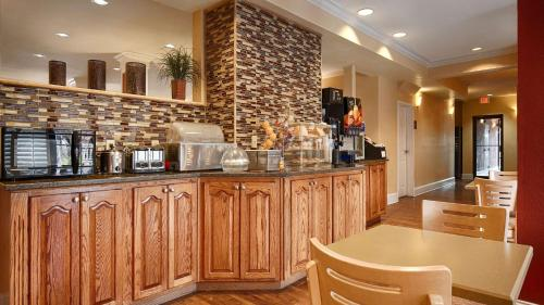 Best Western Wakulla Inn & Suites Photo