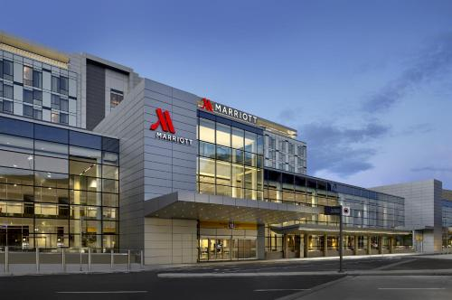 Calgary Airport Marriott In-Terminal Hotel Photo