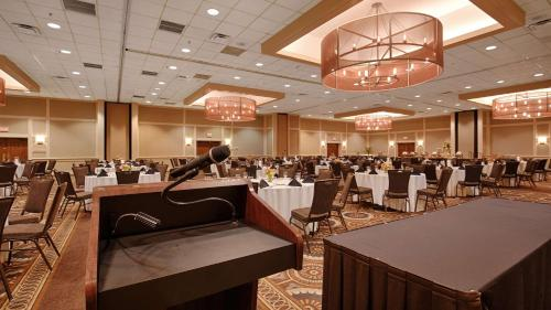 Best Western Premier the Central Hotel & Conference Center Photo