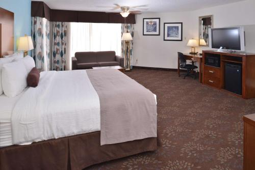 Best Western Plus El Paso Airport Hotel & Conference Center Photo