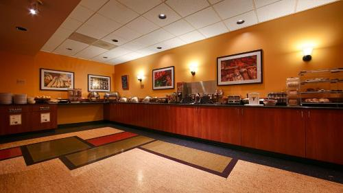 Best Western Plus Executive Inn photo 58