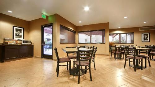 Best Western Plus Wine Country Inn & Suites Photo