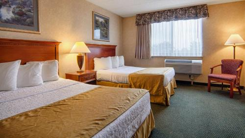 Best Western East Towne Suites Photo
