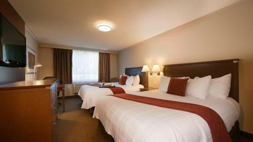 Best Western Plus Guildwood Inn Photo