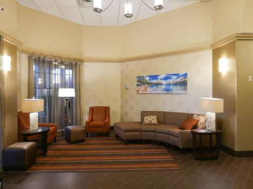 Best Western Escondido Hotel Photo