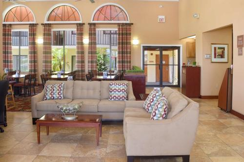 Best Western Orlando East Inn & Suites Photo