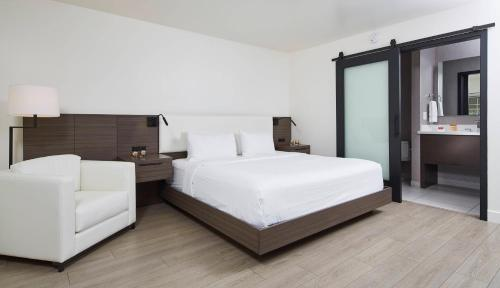 The Nest Hotel - Palo Alto, CA 94306