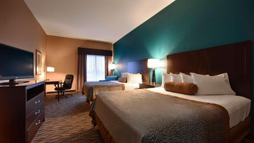 Best Western Plus Hiawatha Hotel Photo
