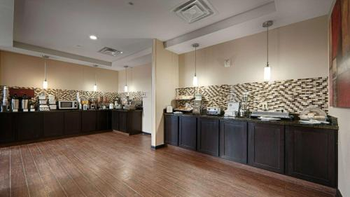 Best Western Plus Cushing Inn & Suites Photo