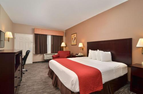 Best Western Dayton Inn & Suites Photo