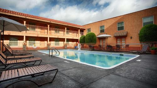 Best Western Market Center - Dallas, TX 75207