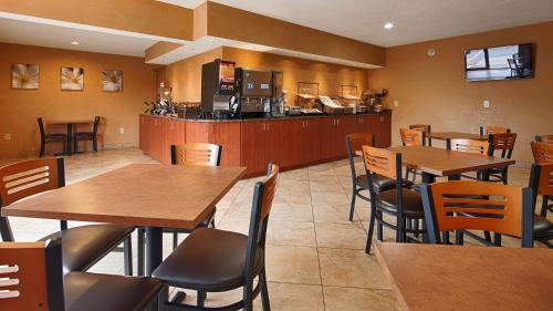 Best Western Ambassador Inn And Suites