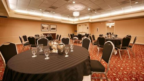 Best Western Premier Plaza Hotel and Conference Center Photo
