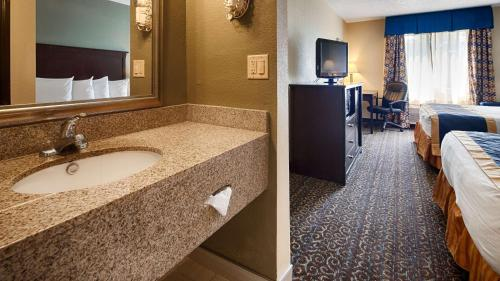 Best Western Richland Inn Mansfield Photo
