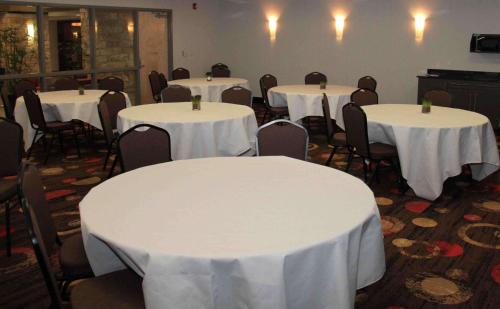 Best Western Plus Eastgate Inn & Suites Photo
