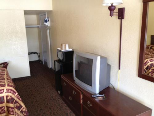 Econo Lodge San Marcos Photo