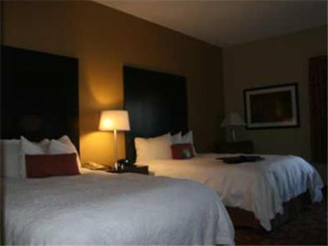 Hampton Inn Columbia Photo