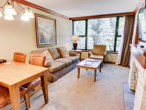 Resort at Squaw Creek 555 Fireplace Suite - Olympic Valley, CA 96161