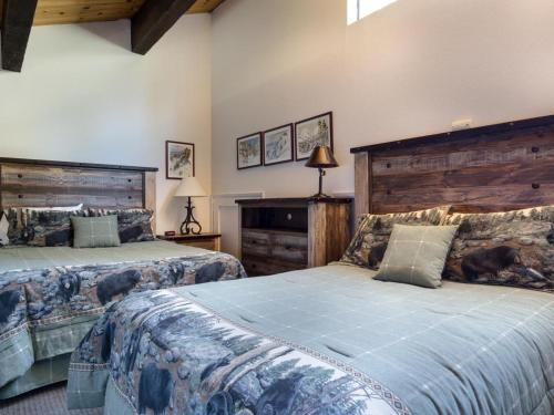 Streamside Townhome - Kings Beach, CA 96143