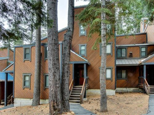 Northstar Throwback Townhome - Truckee, CA 96161