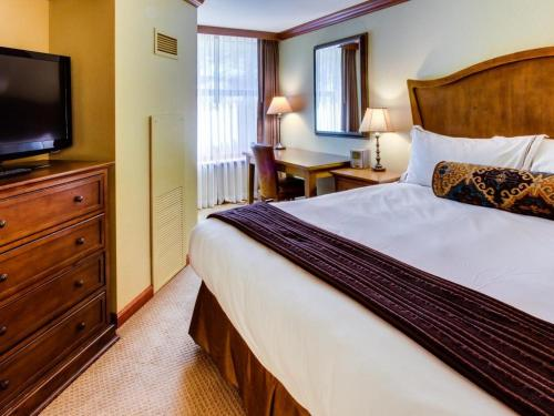 Resort at Squaw Creek 521 - Olympic Valley, CA 96146
