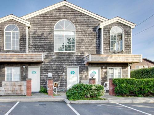 Hotel Beaches Inn | Sandpiper Pier Cottage