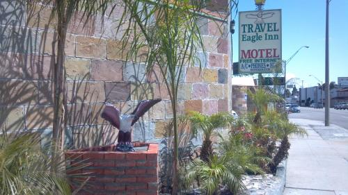 Travel Eagle Inn Motel - Long Beach, CA 90806