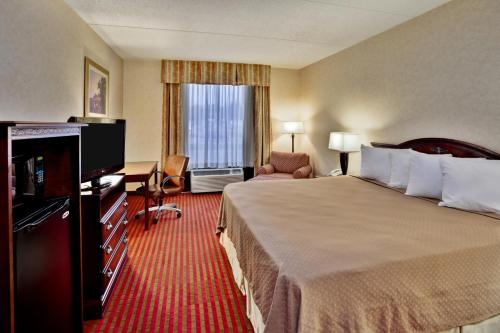 Quality Inn & Suites Somerset Photo