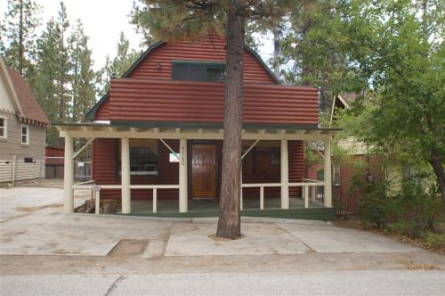 Guinan House - Big Bear Lake, CA 92315