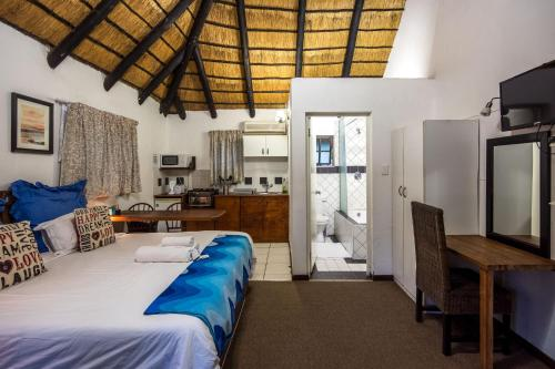 Khaya La Manzi Guest Lodge Photo