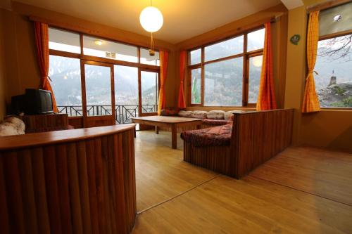 Incredible Deals For Hotels in Manali