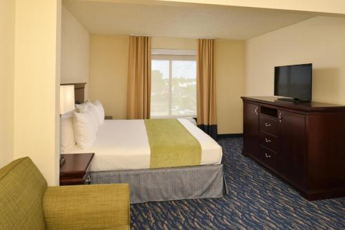 Radisson Hotel New Orleans Airport - Kenner, LA 70062