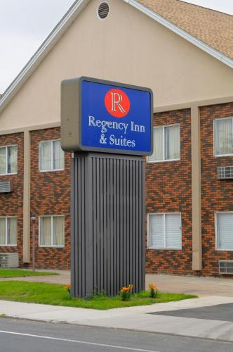 Regency Inn & Suites West Springfield Photo