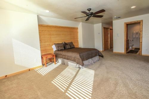 Tranquil Retreat - Big Bear Lake, CA 92315