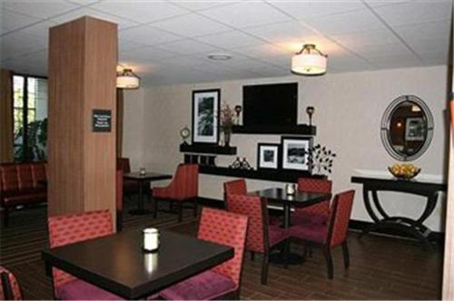 Hampton Inn Clarksville Photo