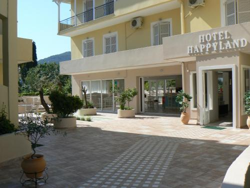 Happyland Hotel Apartments