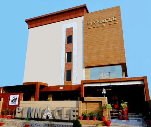 Hotel Pinnacle by 1589 Hotels