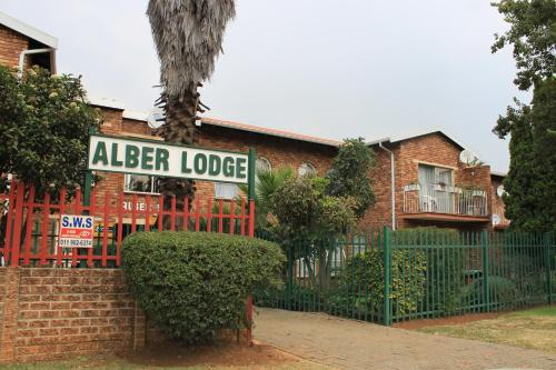 Alber Lodge Photo