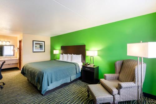 Quality Inn Siloam Springs Photo