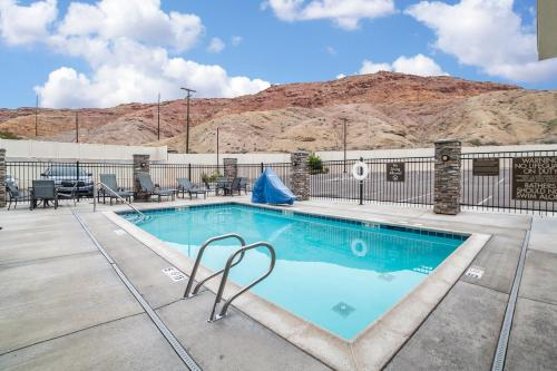 Comfort Suites Moab Photo
