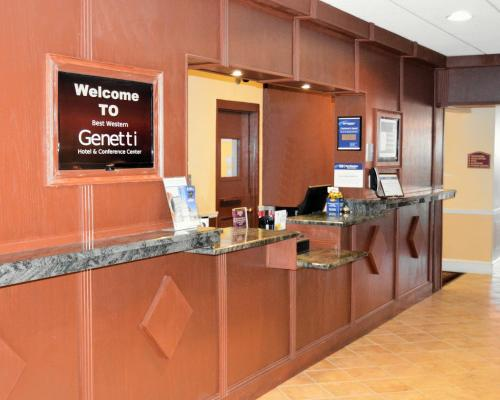 Best Western Genetti Hotel & Conference Center Photo